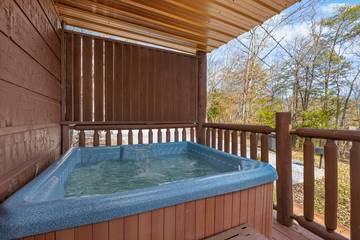 Pigeon Forge cabin rental with hot tub.