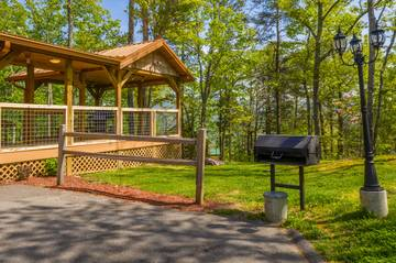 Your rental cabin also offers a charcoal grill.