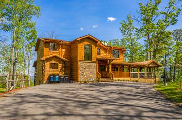 Exterior of your big 5 bedroom cabin in the Tennessee Smoky Mountains.