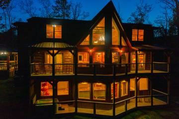 The Appalachian, a perfect 5 bedroom Smoky Mountains cabin for making life long family memories.