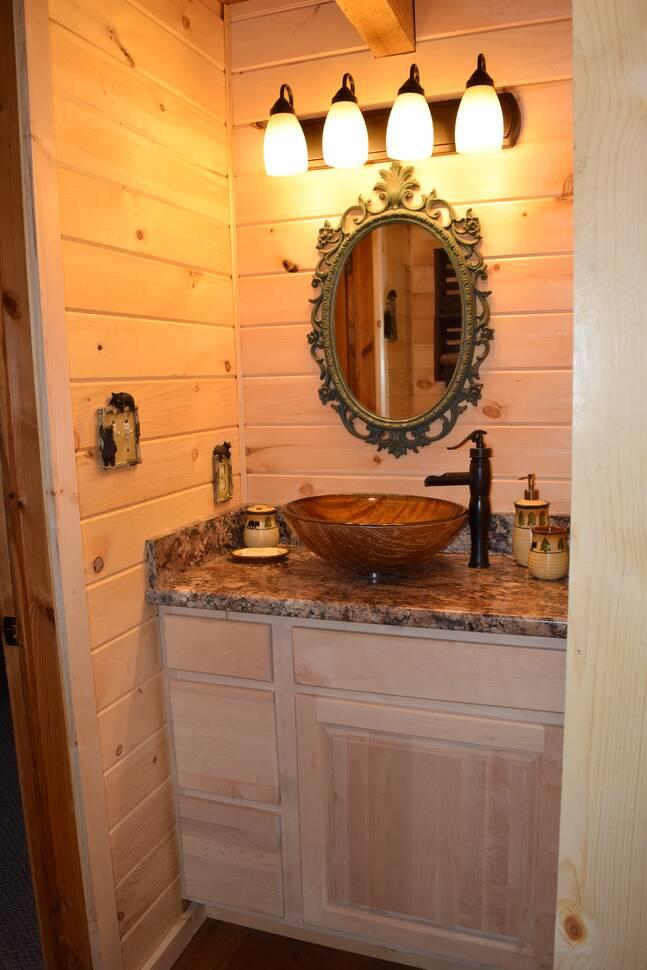 Bear Bottoms 1 Bedroom Cabin Rental