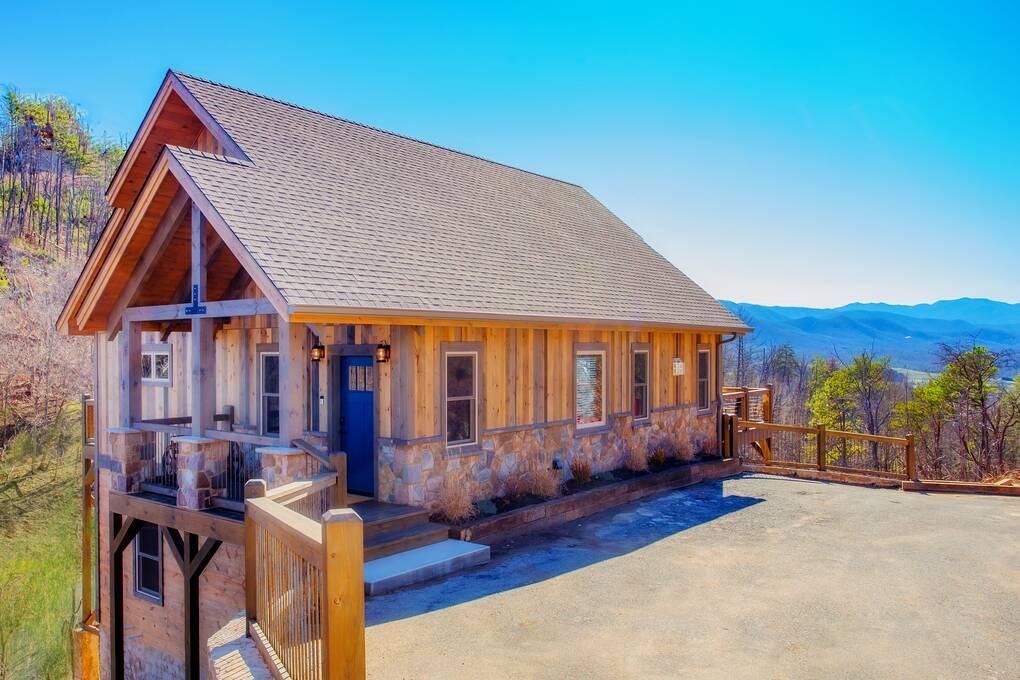 Mountain Tyme 3 Bedroom Cabin Rental