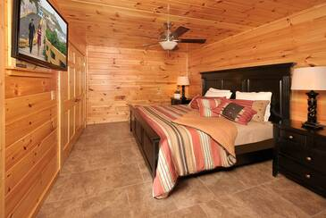 MTFBWYou_TT-May-the-Forest-be-with-You-2016-Bedroom-3