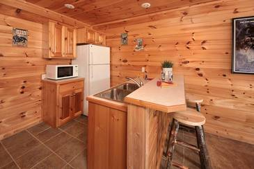 MTFBWYou_TT-May-the-Forest-be-with-You-2016-Wet-Bar-Lower-Level