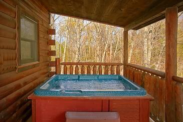 TT-Journeys-End-hot-tub