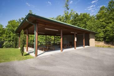StarrCrestR_Starr Crest Pavilion