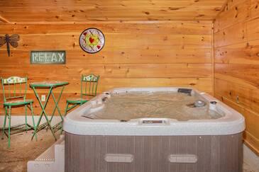 A Bears Poolin Paradise