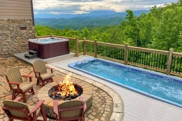 Bluff Mountain Lodge