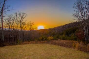 Rising Sun in The Summit