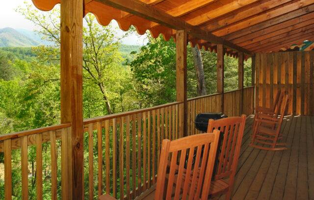 Heavenly haven gatlinburg chalets cabin rentals tennessee for Heavenly view cabin sevierville tn