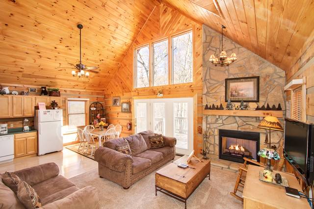 Day Dreamer. Day Dreamer   Gatlinburg Chalets   Cabin Rentals Tennessee