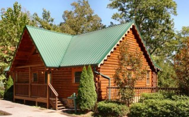 tennessee cabins with chalets cabin pool haven gatlinburg rentals heavenly