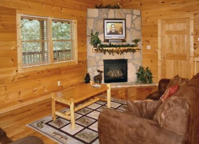 Honey Bear Hideaway Gatlinburg Chalets Cabin Rentals