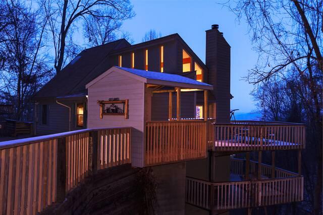 City Lights Gatlinburg Chalets Cabin Rentals Tennessee