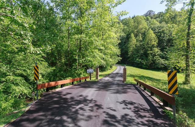 Trail S End Gatlinburg Chalets Cabin Rentals Tennessee