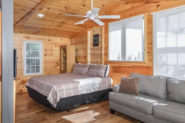River S Edge Lodge Gatlinburg Chalets Cabin Rentals