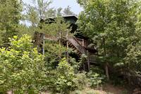 Eagle's Nest Hideaway 1 bedroom cabin in  Located 12 miles from downtown Gatlinburg on HWY 321 towards Cosby