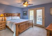 Bear Crossing 4 bedroom cabin