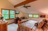 City Lights 4 bedroom cabin
