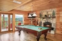 Smoky's Grand View 5 bedroom cabin