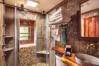 River Retreat 2 bedroom cabin