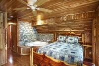 River Mist Lodge 6 bedroom cabin