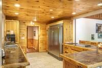 River Adventure Lodge 6 bedroom cabin