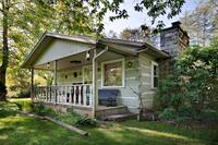 Annie Oakley 2 bedroom cabin in  Located 2 miles from Glade's Road and the Arts and Crafts Trail, about 5 miles to downtown Gatlinburg.