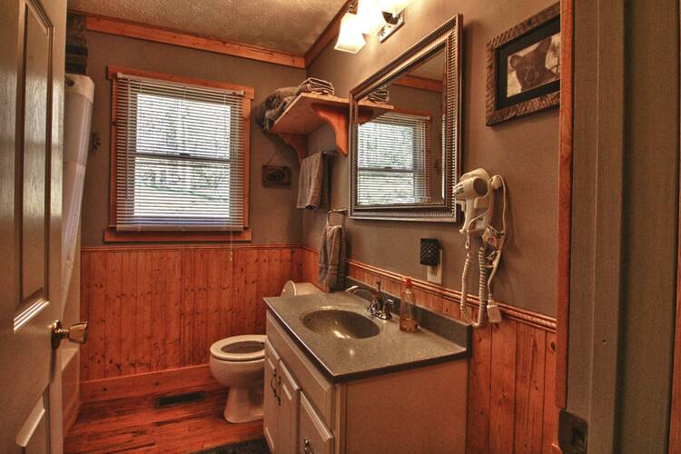 Rambo S Roost Pigeon Forge Rental Cabin Vacation Cabins In
