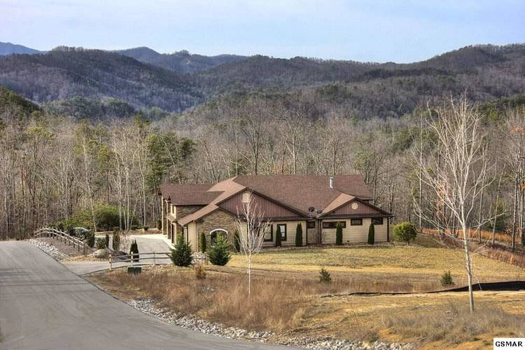 Smoky Bluff Lodge
