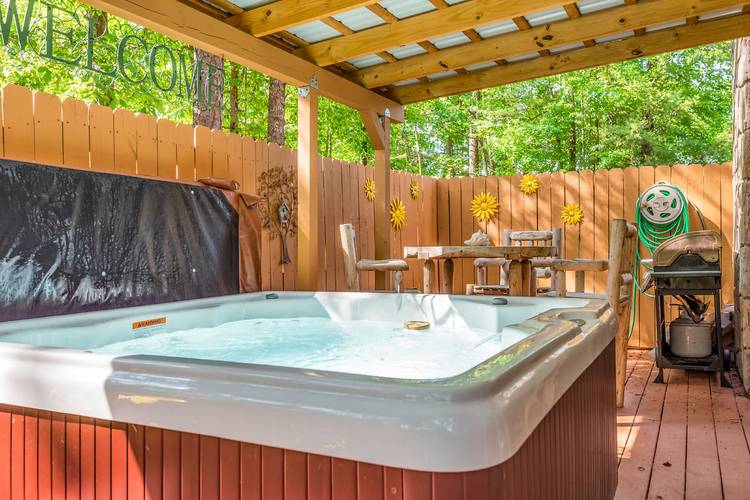 Bearfootin Pigeon Forge Cabin Rentals 800 547 0948