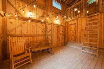 Iron Mountain Lodge