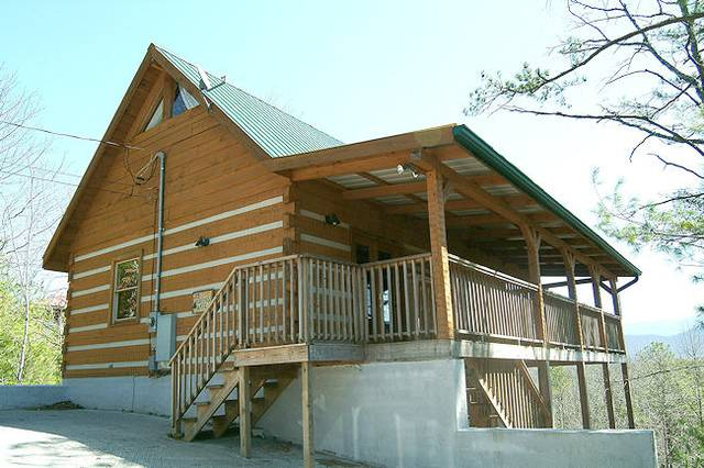 #144 Heaven's Gate 3 Bedroom Cabin Rental